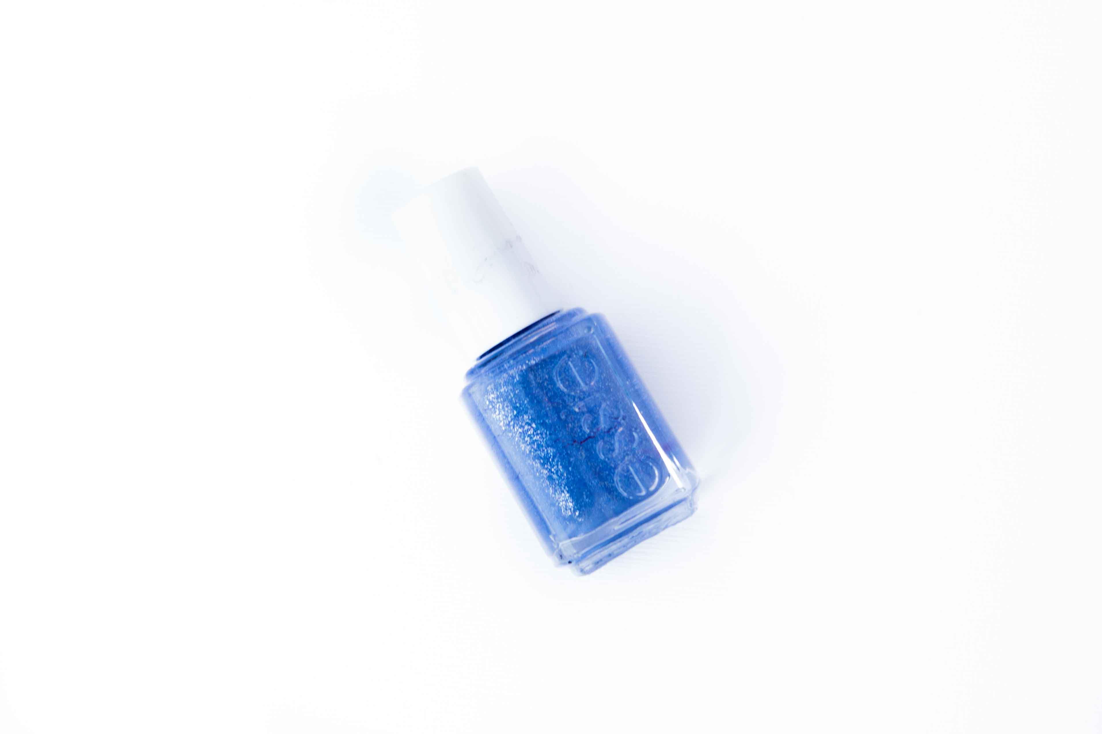 manicure at home nail polish essie Smooth Sailing